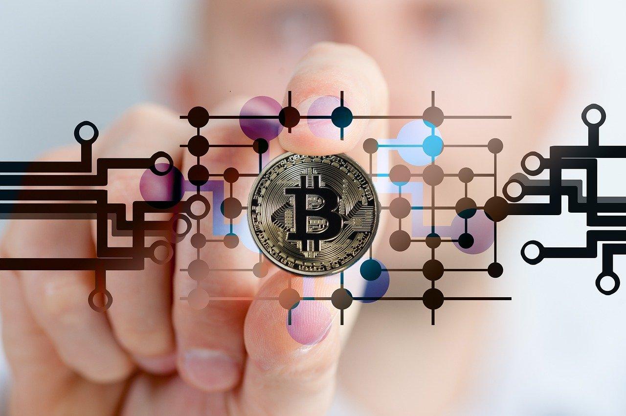 Inwestowanie w Bitcoin - dlaczego warto to robić?